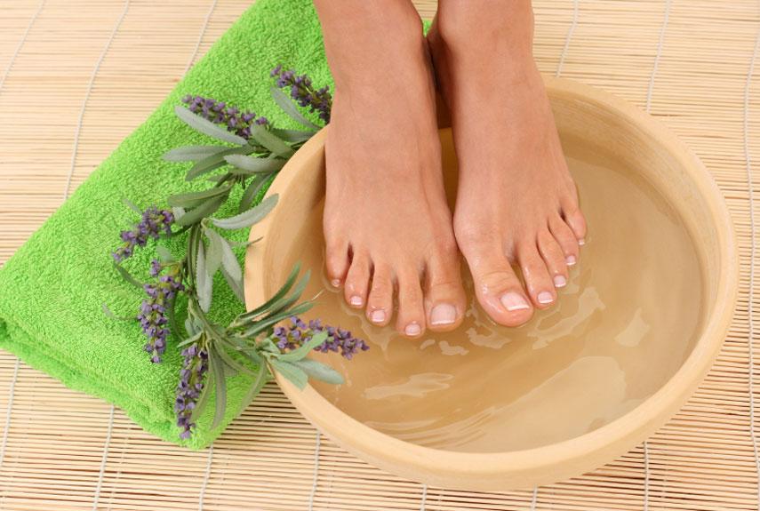 Народные рецепты при потливости ног