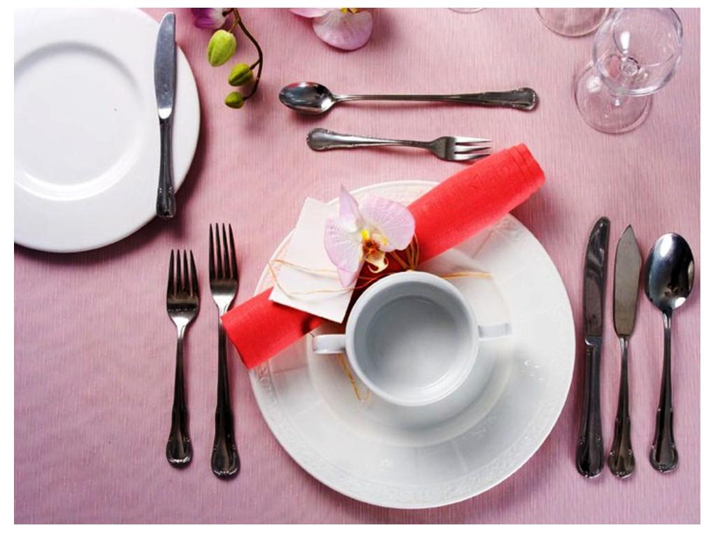 пример расстановки приборов при сервировке стола