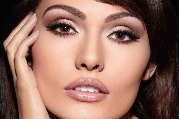 естественный новогодний макияж для карих глаз