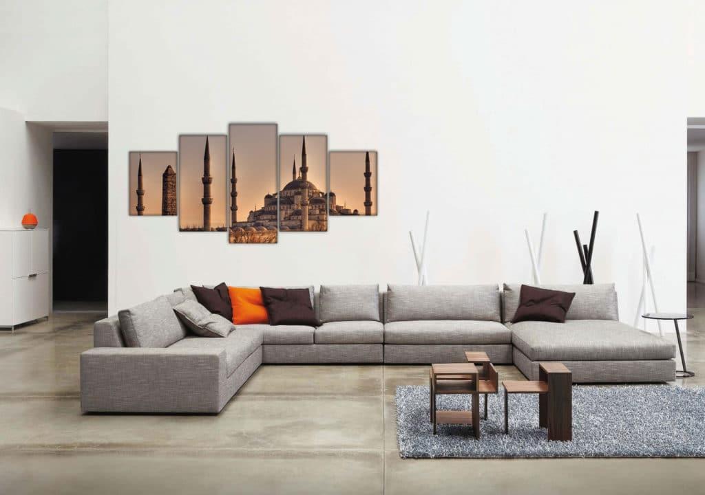 диван в стиле минимализм в интерьере