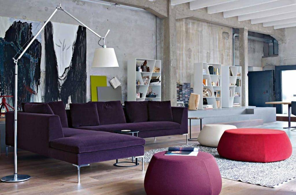 диван в стиле модерн в интерьере