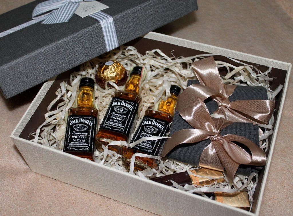 Оригинальные подарки мужу ко дню Валентина